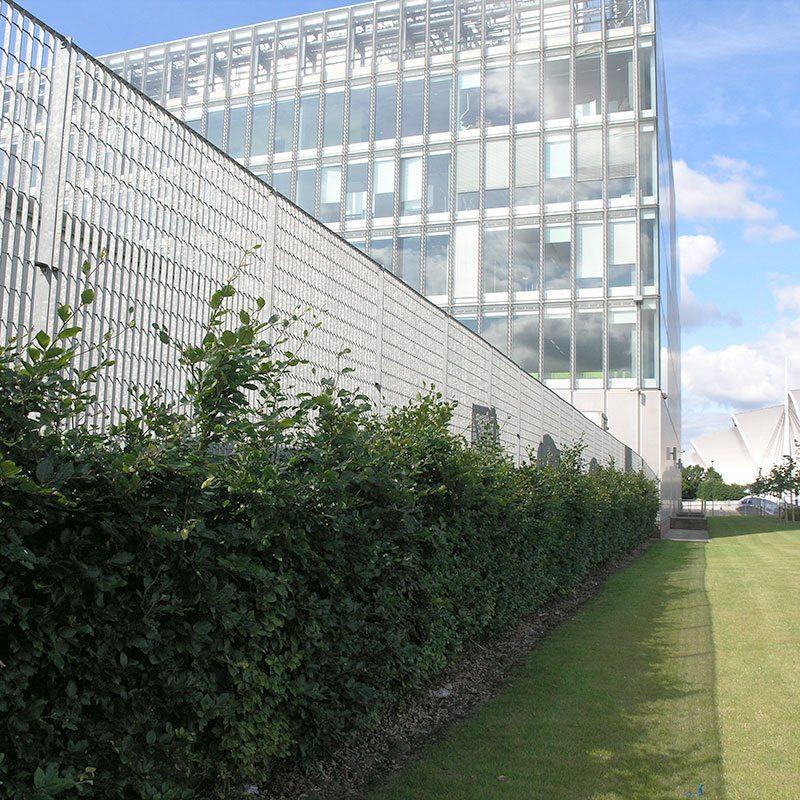 Perimeter Fencing - Grating Fence - Roma-4 | Lang+Fulton