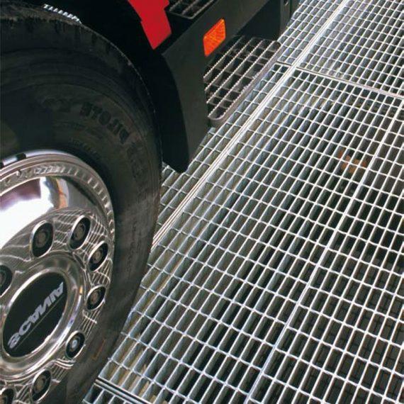 plx-22x66_steel-grating-heavy-vehicle-loading