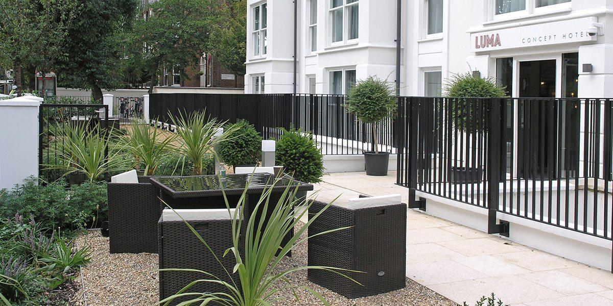 Lang+Fulton-Rimini-flat-bar-railing-fence-Lumar-Hotel-Hammersmith-news