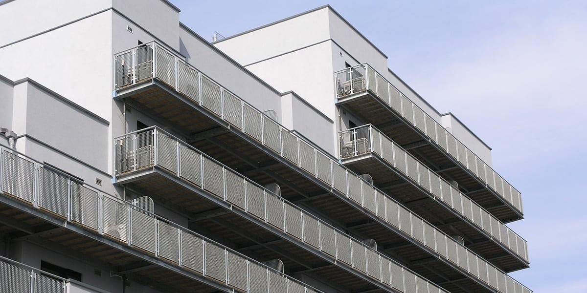 grating panels as balcony balustrade